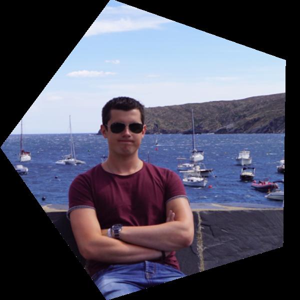 Foto van Mike op vakantie voor een zee met boten