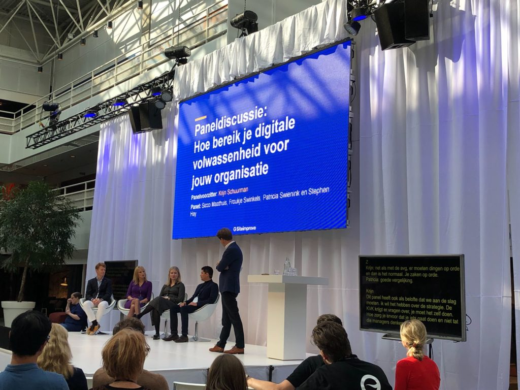 Foto  Panel discussie